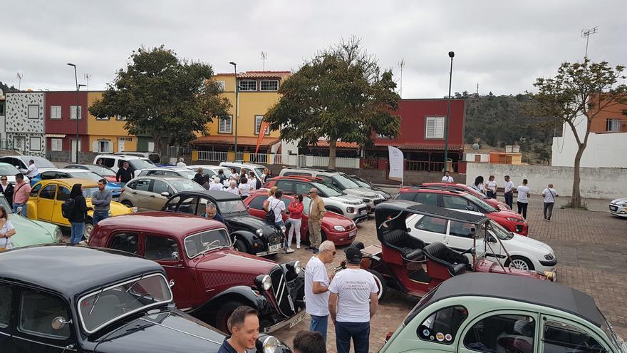 En el encuentro organizado en Gran Canaria para celebrar el centenario Citroën se reunieron numerosos aficionados a la marca francesa, algunos procedentes de Tenerife