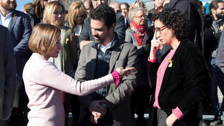 Carme Forcadell, Roger Torrent y Marta Rovira, durante un acto de campaña de ERC