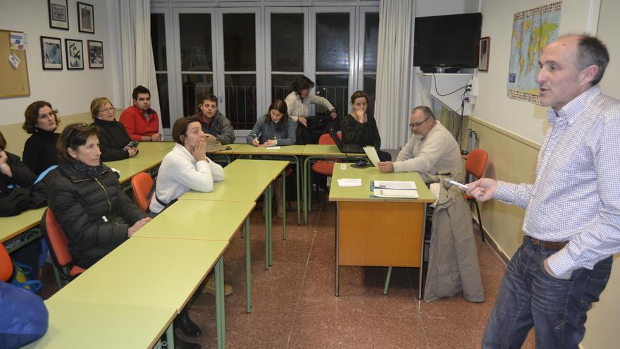 Los vecinos de Prado San Roque deciden en Asamblea las próximas movilizaciones