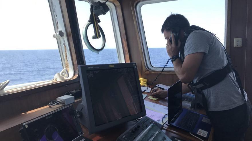 La tripulación del Open Arms recibió esta mañana el aviso de una embarcación en riesgo.