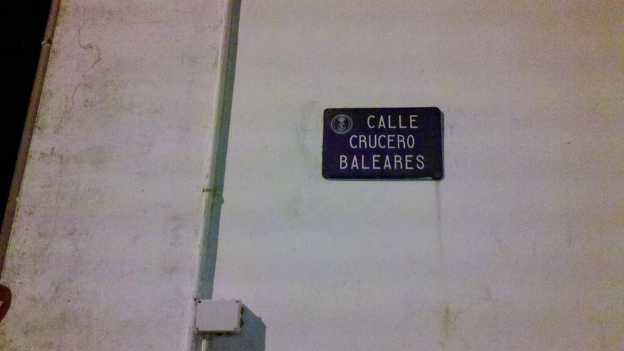 La Calle Crucero Baleares, en el interior del Arsenal de Ferrol