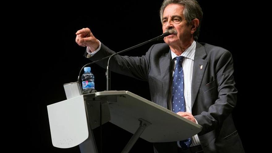 Revilla: Voy a intentar llevarme bien con el Gobierno de España