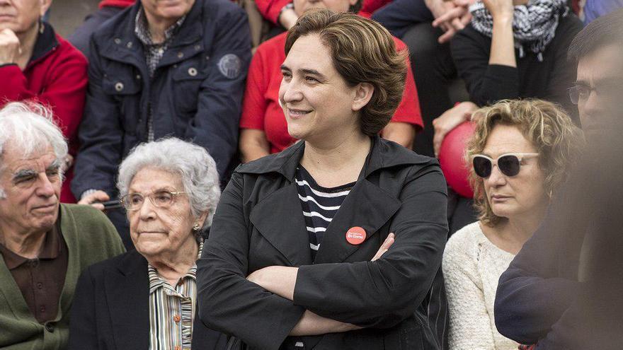 Ada Colau, junto con la luchadora antifranquista, Maria Salvo