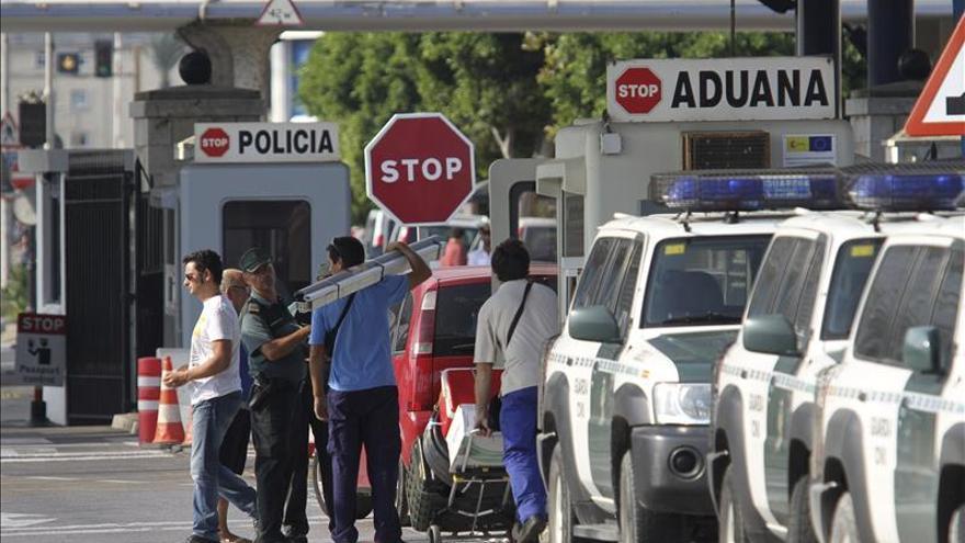 Un permiso agilizará el paso por la aduana de Gibraltar a los trabajadores