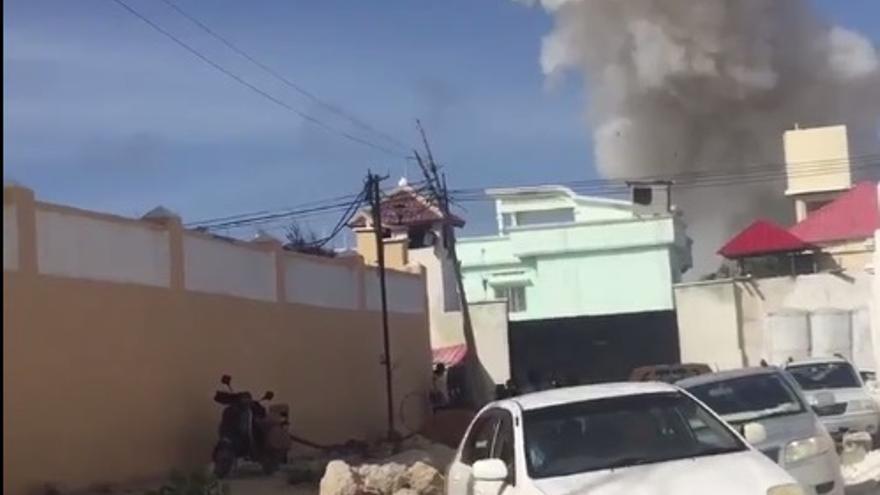 Captura de un vídeo de los hechos difundido por Kamal Gutale ( @KamalGutale) a través deTwitter.