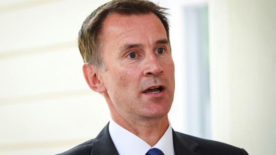 """Londres urge a la UE a trabajar """"hombro con hombro"""" con EE.UU. contra Rusia"""