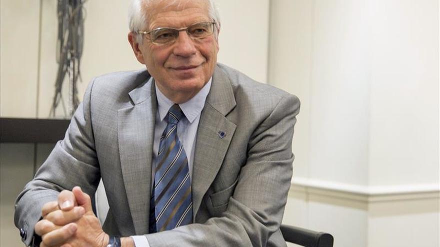 Josep Borrell avala a Pedro Sánchez y aboga por un Gobierno alternativo al PP