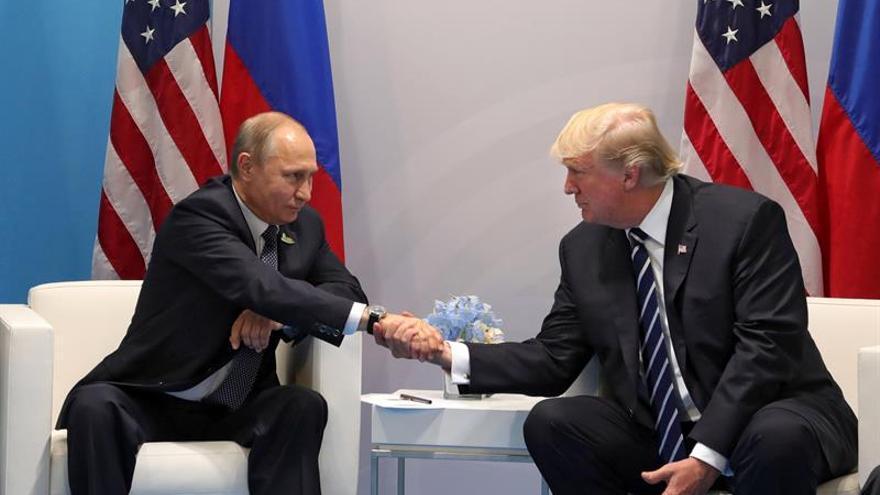 Trump y Putin celebran hoy en Helsinki su primera cumbre formal