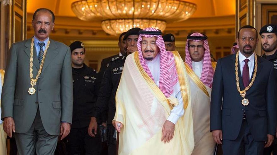 Los líderes de Eritrea y Etiopía, junto al rey de Arabia Saudí