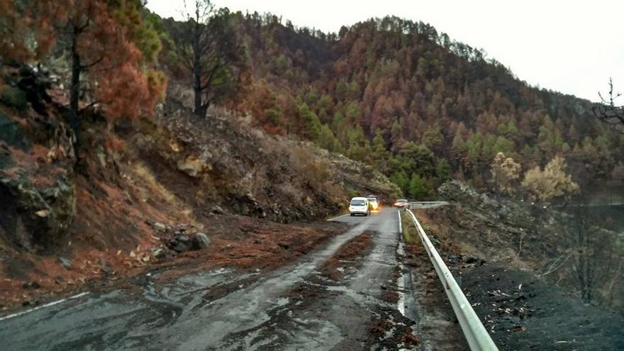 Desprendimiento en la carretera LP-2, en la zona de Jedey, este martes. Foto: José Tomás Rodríguez de Paz.