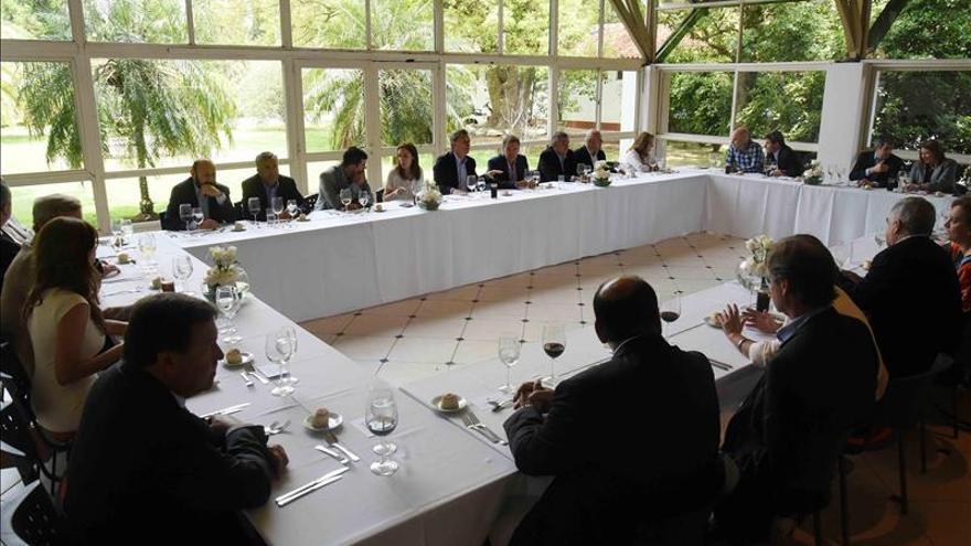 """Macri pide a gobernadores provinciales """"ser un equipo"""" para afrontar desafíos"""