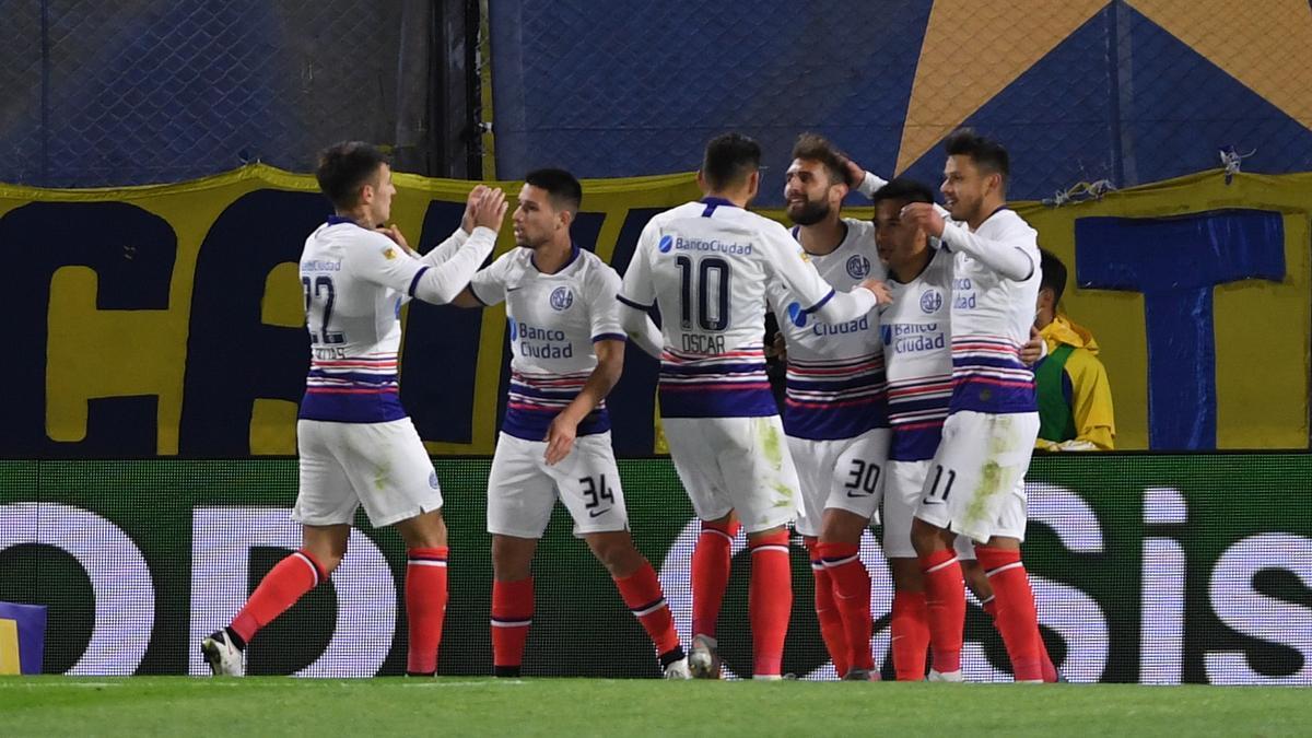 El festejo de los jugadores de San Lorenzo en La Bombonera.