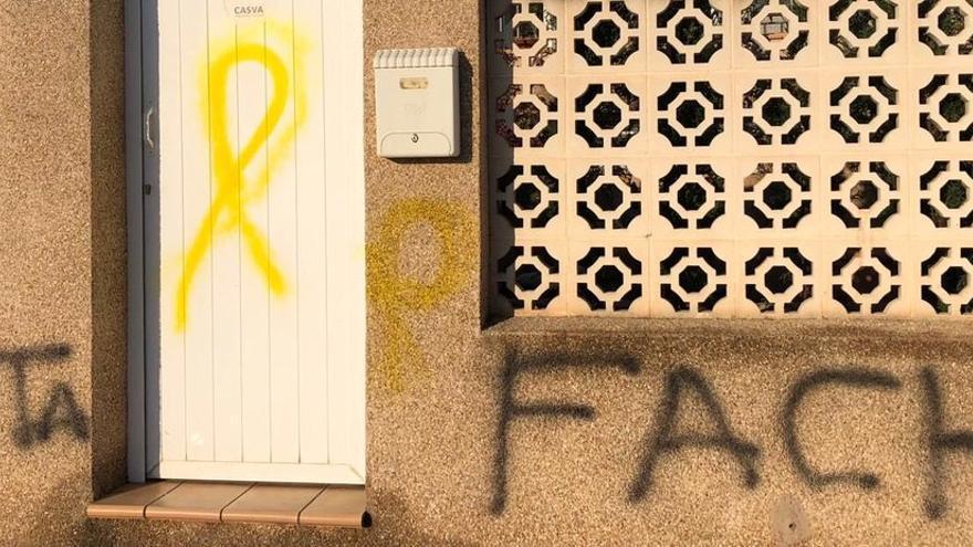 Las pintadas en la casa de Begoña Carrasco