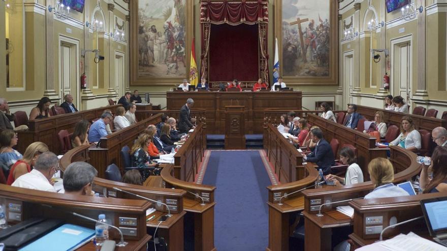 Pleno en el Parlamento de Canarias. (Flickr Parcan)