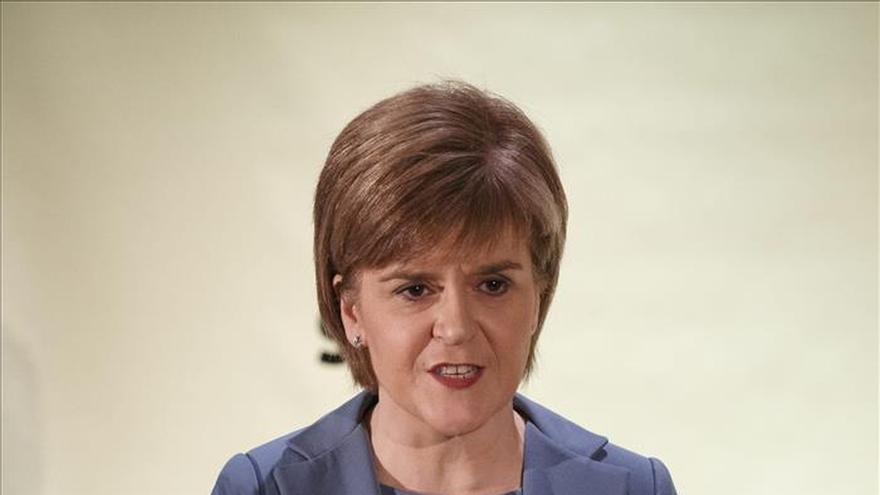 Sturgeon celebra con los 56 diputados del SNP su éxito electoral