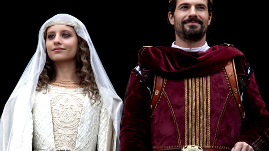 TVE celebra la coronación de 'Isabel' en pantalla grande con actores y fans