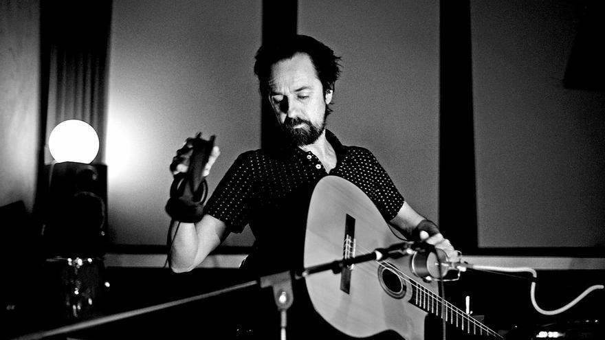 La Filmoteca de Cantabria celebra el lunes su 15º aniversario con un concierto de Diego Vasallo