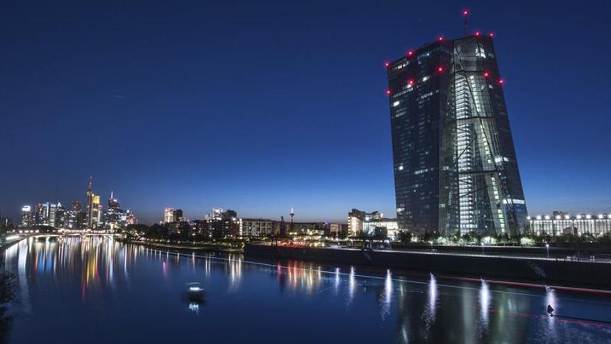 BCE: caen los rendimientos de la deuda pública a largo plazo de la Eurozona