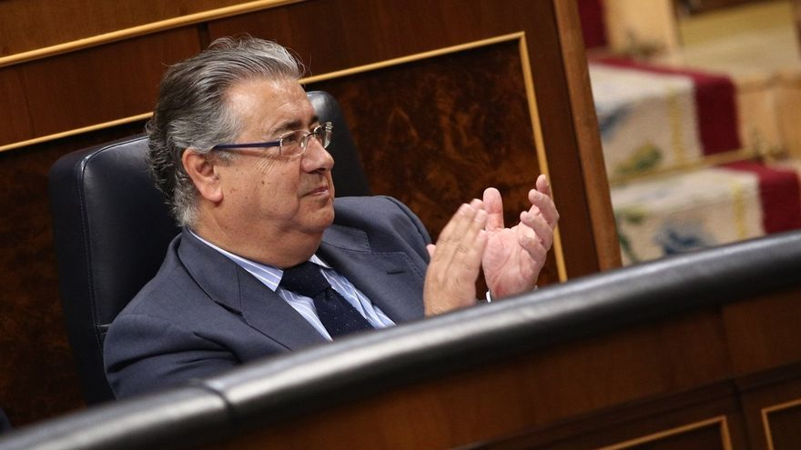 El Congreso rinde tributo al policía asesinado en Valencia cuando iba a hacer una identificación