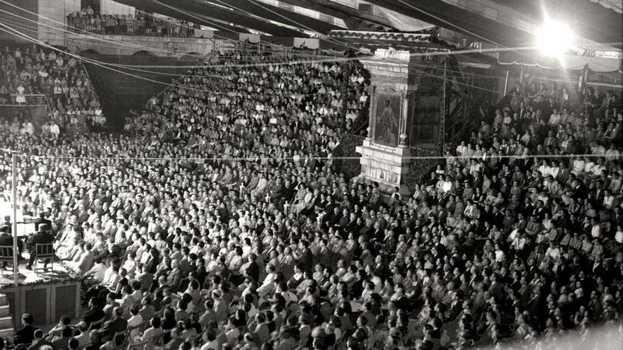La Porticada durante una actuación de la Orquesta Nacional de España y el maestro Ataúlfo Argenta en 1953.
