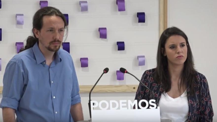 Pablo Iglesias e Irene Montero en la rueda de prensa