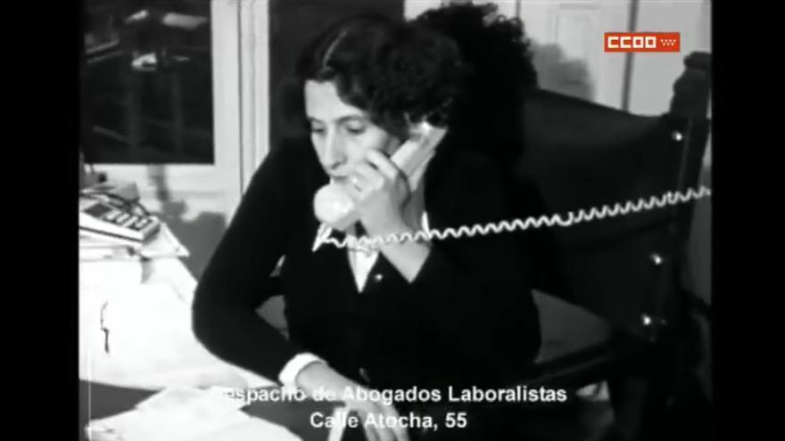 """Manuela Carmena, en 1977, en el documental 'Los abogados de la democracia', realizado por Tino Calabuig para la Fundación Abogados de Atocha y CCOO de Madrid, proyectado en el 33 aniversario de los """"Abogados de Atocha""""."""