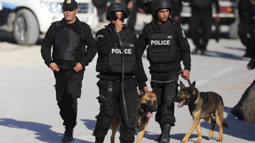 Túnez prosigue la identificación de los cadáveres y busca a los desaparecidos