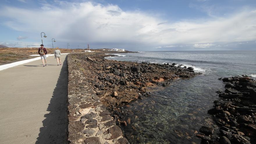 Zona de Costa Teguise donde se ha solicitado un permiso para crear una playa artificial