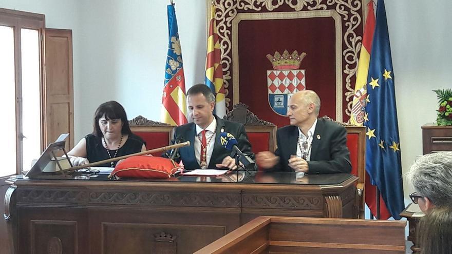 Manel Martínez, del PSPV, en la toma de posesión como alcalde de la Vilavella