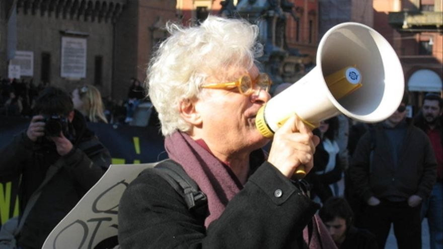 Franco Berardi (Bifo) en una protesta contra los recortes en educación