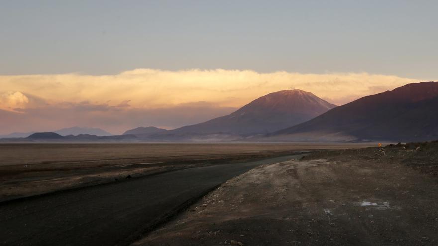 Bolivia refuerza el control en sus fronteras con Argentina contra la COVID-19