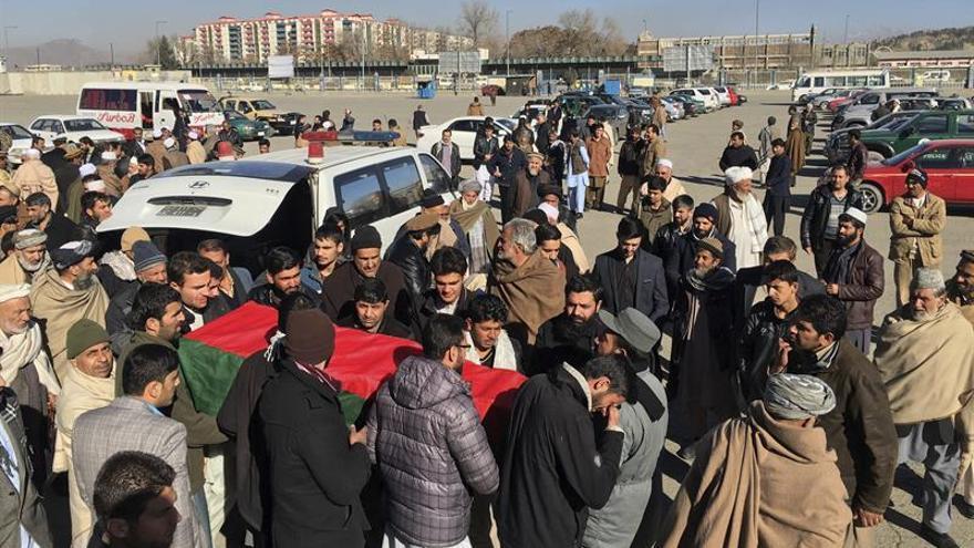 Cientos de manifestantes acusan a Pakistán del mortífero atentado en Kabul