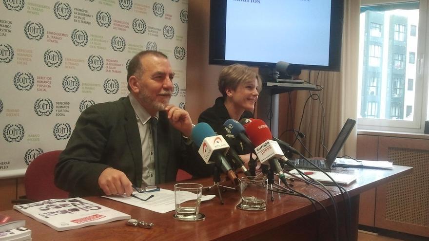 La experta de la OIT Rosalía Vázquez-Álvarez junto al director de la oficina de la OIT en España, Joaquín Nieto. EUROPA PRESS