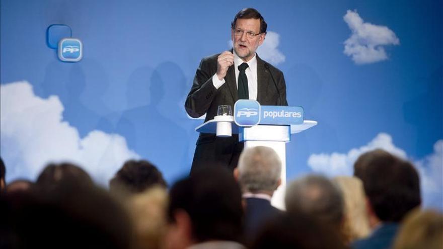 """Rajoy da su """"total apoyo"""" a Wert tras la polémica por las becas Erasmus"""