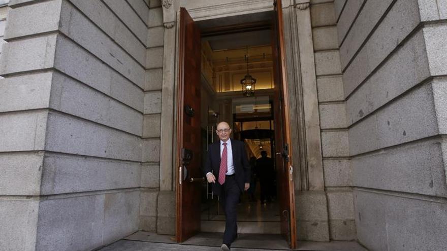 El Gobierno estudia elevar el objetivo de déficit a las autonomías para 2018