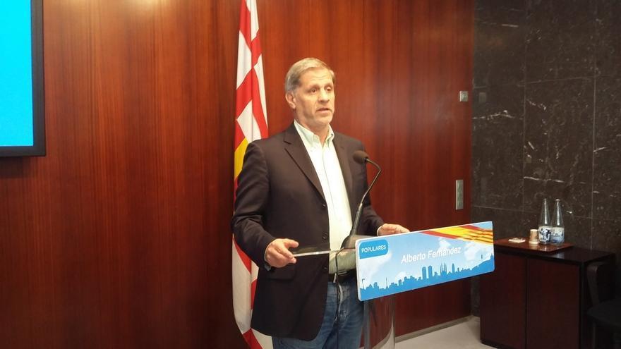 """Alberto Fernández (PP) asegura que Colau es permisiva con 'okupas' porque """"fue uno de ellos"""""""