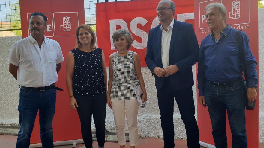 Anselmo Pestana junto a la ministra de Sanidad este domingo en Los Llanos.
