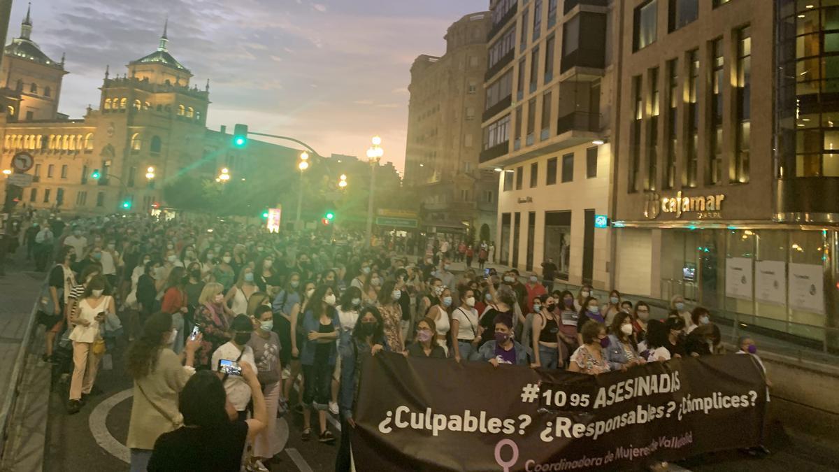 Manifestación en Valladolid tras el asesinato de Olivia y Rocío Caíz.