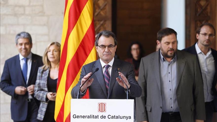 CiU, ERC,ICV y CUP registran una petición para que se ceda la competencia en los referendos