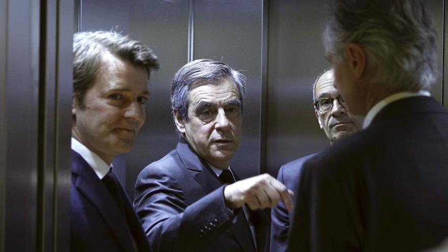 El partido de Fillon analiza su derrota con una reunión de su comité político