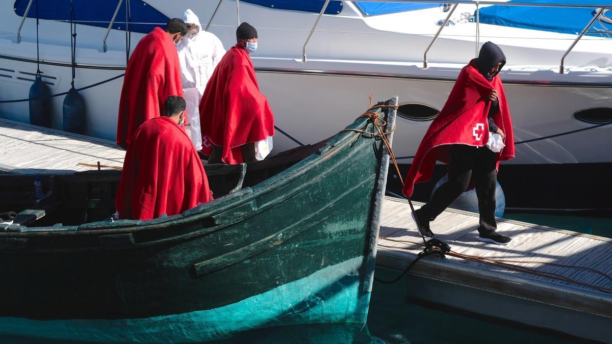 Imagen de archivo de la llegada de una patera con nueve personas a Fuerteventura