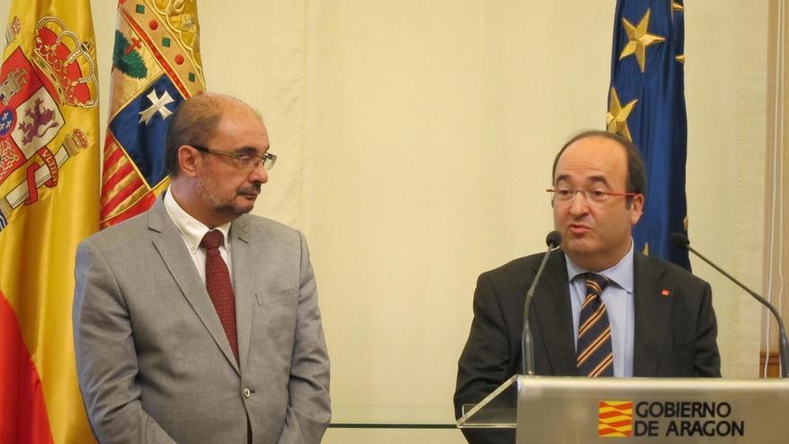 Iceta se compromete a solucionar, en menos de un año, el conflicto de los bienes a Aragón si es presidente de Cataluña