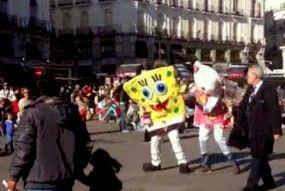 """Bob Esponja y Hello Kitty, pelea a """"puñetazo limpio"""" en la puerta del Sol"""