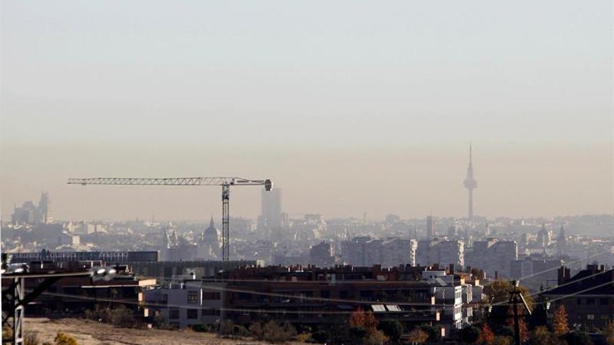 Vista de la polución que se aprecia en la ciudad de Madrid en una imagen de archivo