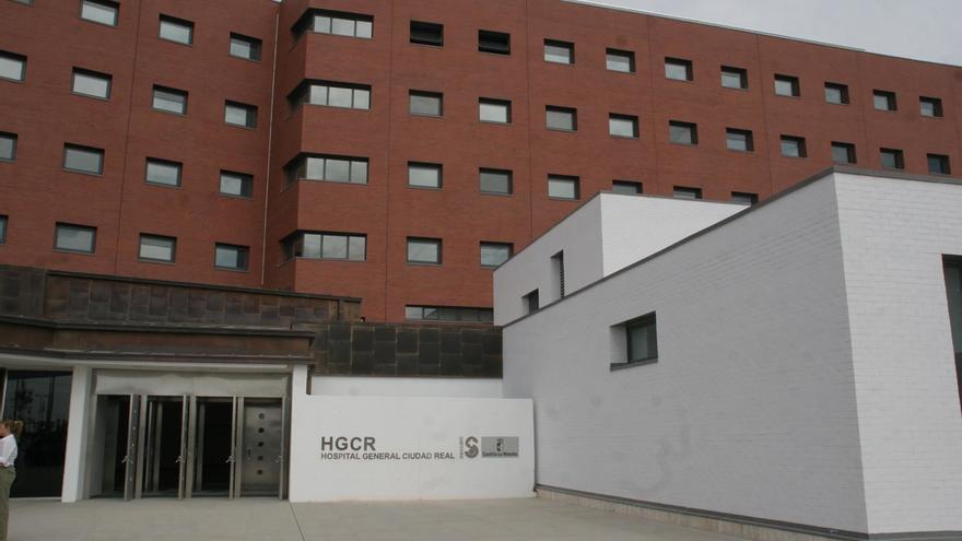 """La niña de dos años que cayó a una piscina en La Solana (Ciudad Real) está """"muy grave"""" en la UCI pediátrica"""