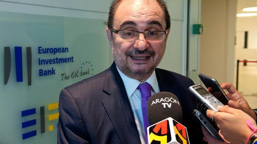 Lambán busca en Bruselas fondos y soluciones para lindano, Canfranc y Cultura