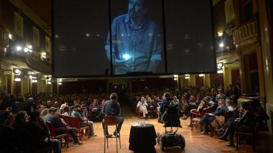 Pablo Iglesias y Pablo Echenique en el acto de Barcelona