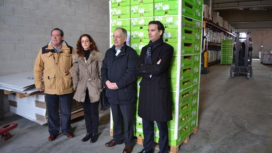 """La Obra Social """"la Caixa"""" y la Fundación Grupo AN entregan 21.600 kilos de fruta al Banco de Alimentos de Navarra"""