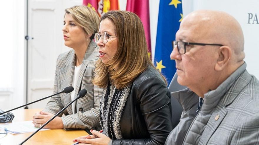 Noelia Arroyo, Ana Belén Castejo y Manuel Padín en rueda de prensa