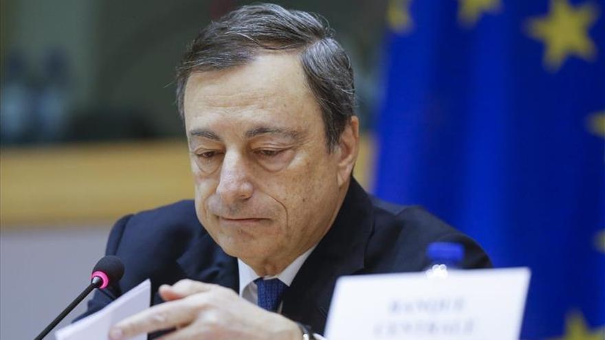 Draghi dice que el BCE hará lo que debe para subir la inflación lo antes posible